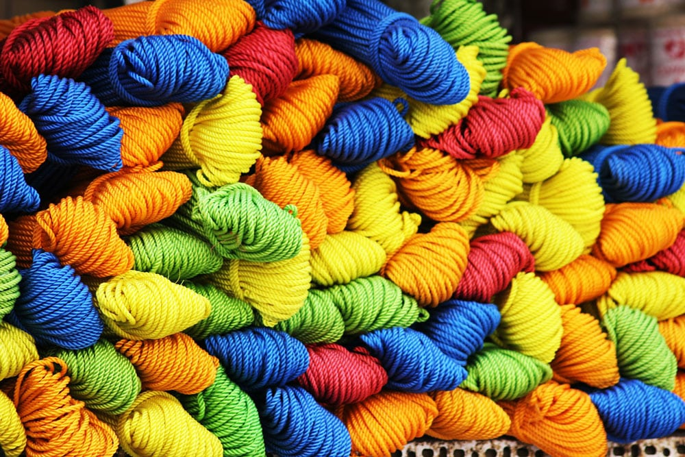 advantages of acrylic yarn